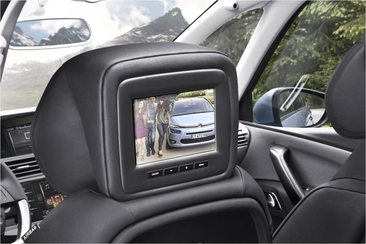 2015-Citroen-C4-Grand-Picasso-Interior-Entertainment