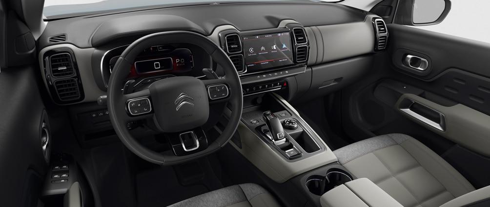 Interior de un autos color negro